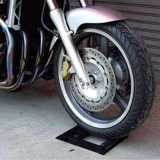 Tyre cleaner tire jockey motorcycle chain wheel slider