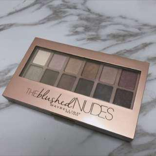 🚚 MAYBELLINE時尚伸展台訂製12色眼彩盤 Nude2