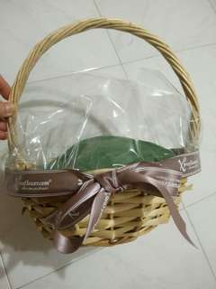 Small Round Gift Basket
