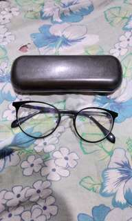 Replaceable lens eyeglasses