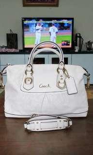 🚚 Coach good as new / buy quick/ add me by my line (wuainijenn) my line id..