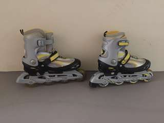 🔥[SALE] YELLOW ROLLER BLADES