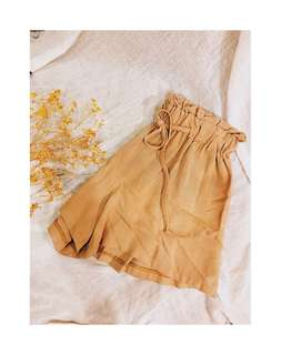 🚚 鬆緊杏色短褲
