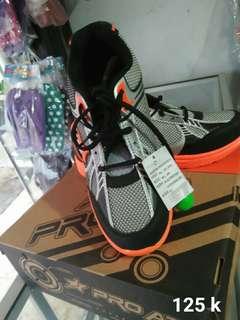 Sepatu pria new era