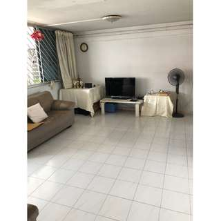 Blk 663 Yishun 4 room for SALE.