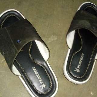 Sandal playboy hitam putih berkualitas baik #kanopixcarousell