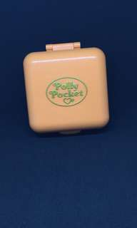 Vintage polly pocket nursey compact