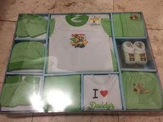 Jual 1 set Pakaian utk Baby New Born