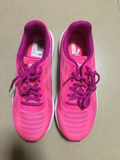 Running Shoes (Brand PUMA)