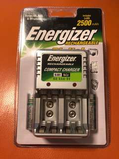 Energizer Rechargeable Compact Charger