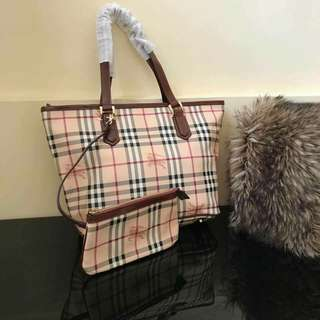Authentic Qualitu Burberry