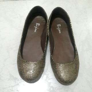 Sparkling doll shoes
