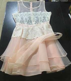 韓國製粉紅lace連身裙 (可以做grad din裙)