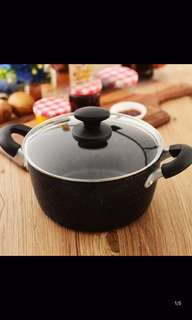 Non stick pot with cover