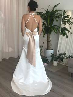 Pre loved Classic Wedding Gown