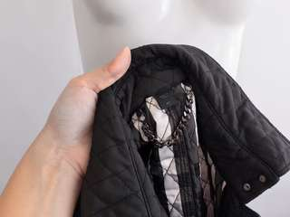 Auth Burberry black quilted trench coat