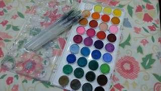 Watercolour and watercolour brush set