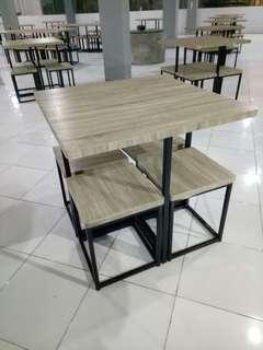 Set meja dan kursi cafe