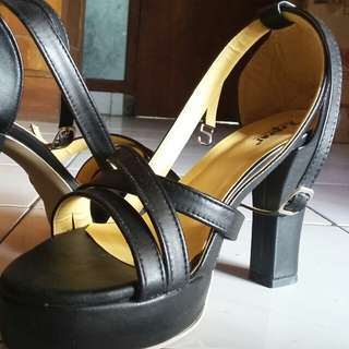 high heels espras in black