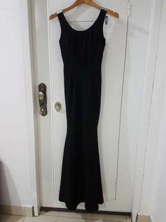 Divalicious mermaid hem black maxi dress