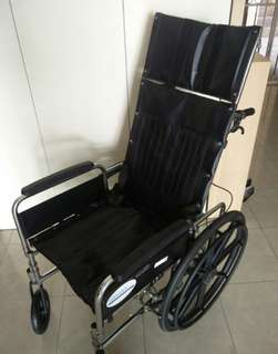 Wheelchair (Recliner type, Hardly Used)