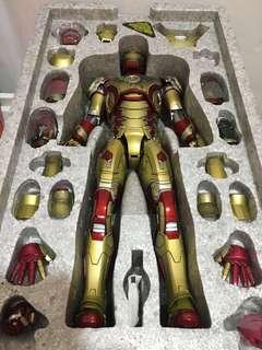 Hot Toys Iron Man 3: Mark 42 XLII