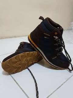 Sepatu Outdoor Eiger