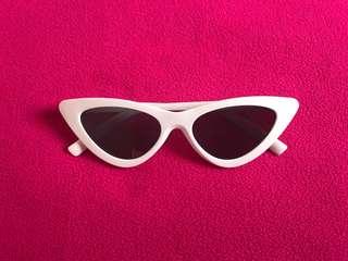 Cats eye shades