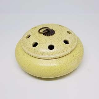 Ceramic Incense Burner (Yellow) 磨砂复古香爐(黄)
