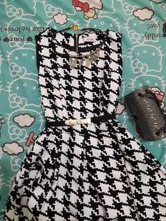 ARGADINE dress putih hitam tanpa lengan