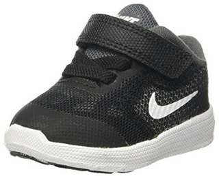 Nike Revolution 3 trainers
