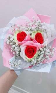 🚚 Roses Bouquet