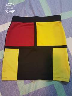 Skirt. Stretchable. Would fit S - M built.