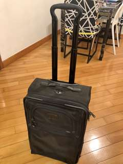"Tumi 21"" carry on luggage 上機行李箱"