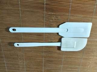 🚚 塑膠矽膠刮板2入組合
