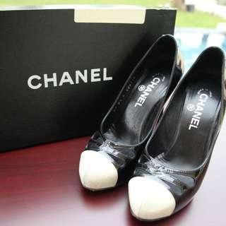 Authentic Chanel Shoe Black White Classic CC 36 6