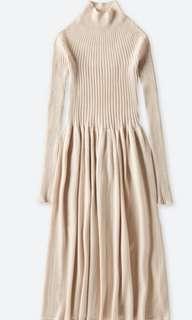 🚚 uniqlo U 3D美麗諾羅紋中高領洋裝