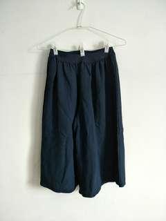 🚚 【泡泡二手衣】藏青色八分褲裙