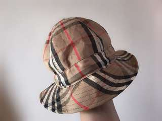 Auth Burberry classic check bucket hat