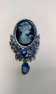 Lady Queen retro brooch/pin/pendant