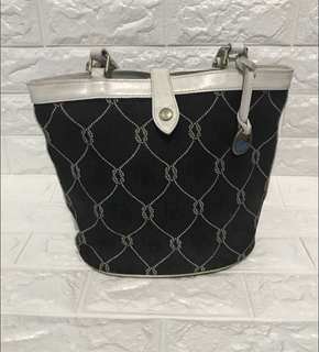 Free Shipping Dooney and Bourke Bag