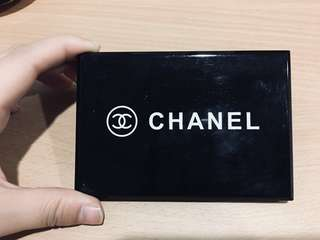 🚚 Chanel 14-color eyeshadow palette