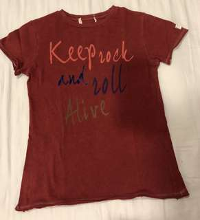 ZARA 'keep rock & roll alive' t-shirt fitting 7 years old