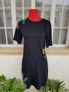 Floral Embroided Dress with Cut-out
