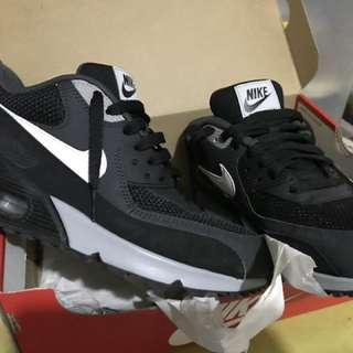 For Sale !!!  Nike Air Max Orig  (Bought)P5,500 Nike Glorieta II Never been used Unable to change size more than 7 days already  For only P4,000 nalang! Buy na!   Respect post. Tnx  0917-7918541 for faster transaction