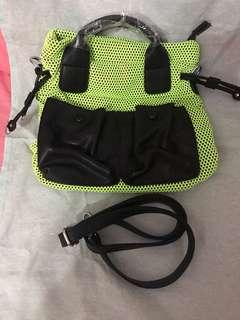 韓國手袋營光配黑兩用袋