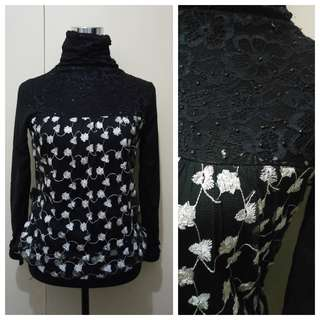 WA760 Black & White Formal Blouse (see pics for Measurements)