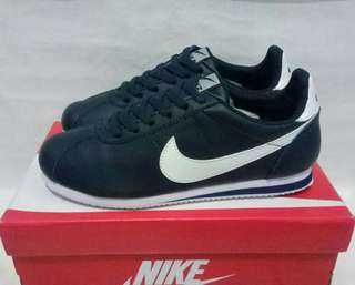 Nike cortes for man
