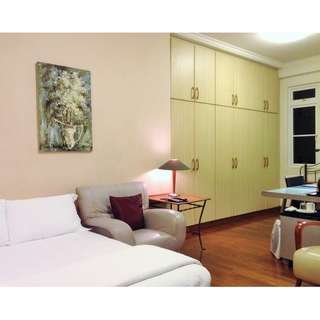 Large Spacious Room in Bungalow For Rent