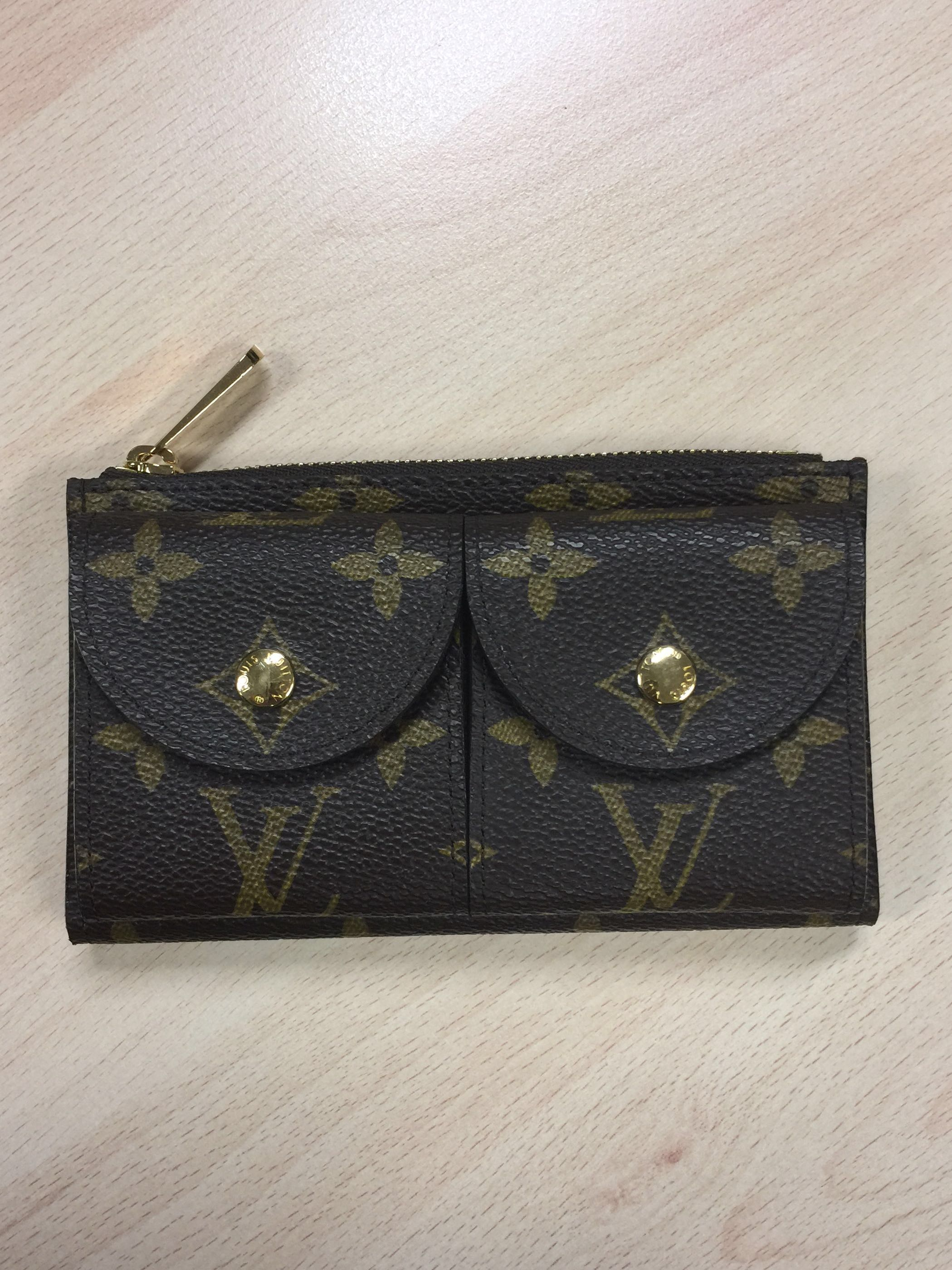 0a36a1922cfd Authentic Louis Vuitton LV Monogram Card Coin Wallet Purse for 38mm ...